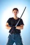 Homme intense avec l'épée de samouraï photos stock