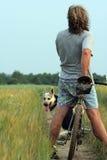 Homme à la bicyclette Photographie stock libre de droits