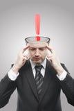 Homme large d'esprit avec le repère d'exclamation rouge à l'intérieur Image libre de droits