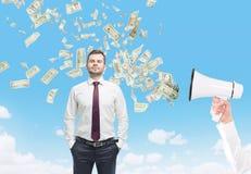 Homme, mégaphone et dollars Photographie stock libre de droits