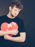 Homme malheureux avec le coeur brisé Photos libres de droits