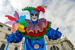 Homme masqué costumé par clown Images libres de droits