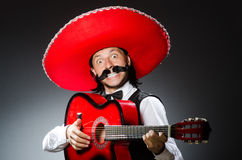 Homme mexicain avec la guitare Photo stock