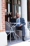 Homme moderne de secteur d'affaires de la téléphonie mobile Image stock