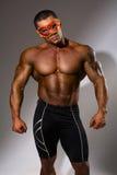 Homme musculaire avec un torse nu Images stock