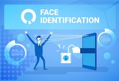 Homme obtenant Access après l'identification de visage balayant le concept de système biométrique moderne de reconnaissance de te Images stock