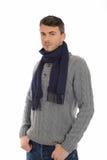Homme occasionnel bel dans le chapeau de l'hiver et des vêtements chauds Images libres de droits