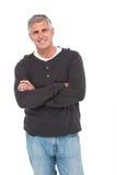Homme occasionnel souriant à l'appareil-photo Image stock