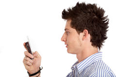 Homme occasionnel texting Photos stock