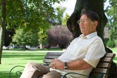 Homme plus âgé pensif Images libres de droits