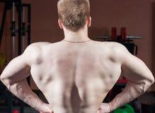 Homme posant le bodybuilder Photos libres de droits