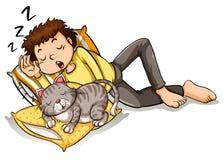 Homme prenant le petit somme avec le chat d'animal familier Photographie stock libre de droits