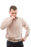 Homme réfléchi de 30 ans dans une chemise avec des rayures Photo libre de droits