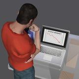 Homme regardant un ordinateur portable Images libres de droits