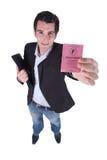 Homme retenant le document officiel Photographie stock