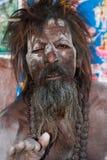 Homme saint intouchable dans l'Inde couverte en cendre Photos libres de droits