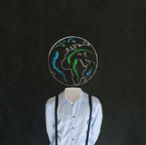 Homme sans tête avec la tête de la terre de globe du monde de craie Photos stock