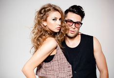 Homme sexy et femme semblant frais et à la mode Photo stock