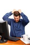 Homme stressant d'affaires tirant des poils Photographie stock