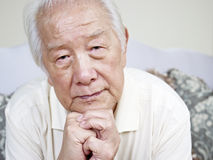 Homme supérieur asiatique Photographie stock libre de droits