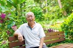 Homme supérieur asiatique de sourire Image libre de droits