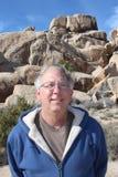Homme supérieur chez Joshua Tree National Park Photos stock