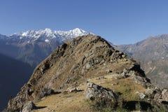 Homme sur la montagne Photographie stock