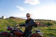 Homme sur la moto Photo stock