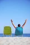 Homme sur sunbed Photo libre de droits