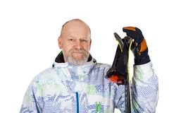 Homme tenant des skis sur d'isolement Photographie stock