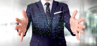 Homme tenant le rendu binaire du nuage 3d de données Photographie stock libre de droits