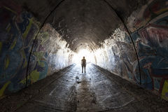 Homme urbain de tunnel Photos stock