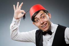 Homme utilisant le chapeau turc traditionnel Images libres de droits