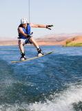 Homme wakeboarding au lac Powell 10 Images stock