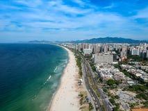 Hommelfoto van Barra da Tijuca-strand, Rio de Janeiro, Brazilië Stock Foto