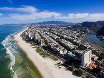 Hommelfoto van Barra da Tijuca-strand, Rio de Janeiro, Brazilië Royalty-vrije Stock Afbeeldingen