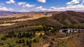 Hommelmening van Chapman Hills Looking Towards Mount San Gorgonio stock foto