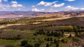 Hommelmening van Chapman Hills Looking Towards Mount San Gorgonio stock afbeeldingen