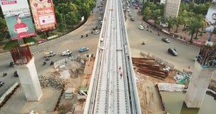 Hommelmening van de Lichte bouw van de Spoordoorgang stock video