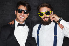 Hommes à la mode dans les costumes formels Images stock