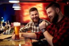 Hommes amicaux Photo libre de droits