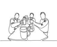 Hommes buvant de la bière Photographie stock libre de droits