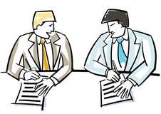 Hommes d'affaires chantant le contrat Images stock