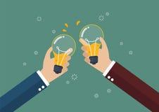 Hommes d'affaires grillant une ampoule avec de la bière à l'intérieur illustration de vecteur