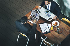 Hommes d'affaires rencontrant le concept de connexion de discussion Photographie stock libre de droits
