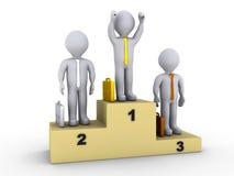 Hommes d'affaires sur le podiume de gagnants Image libre de droits
