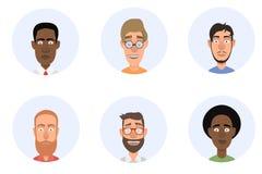 Hommes d'avatars arme les travailleuses parlantes restantes croisées barbues de téléphone de bureau d'homme de forground de fond Photographie stock