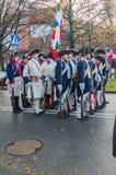 Hommes dans des uniformes célébrant le Jour de la Déclaration d'Indépendance national à Danzig en Pologne Célèbre le quatre-vingt Image stock