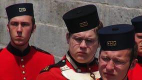 Hommes dans des uniformes militaires coloniaux Photographie stock libre de droits