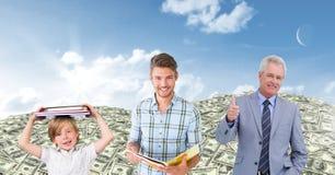hommes des générations d'âge grandissant avec les dollars et le ciel d'argent Photographie stock libre de droits